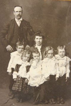 Archie Livingstone's family - Baltic Road