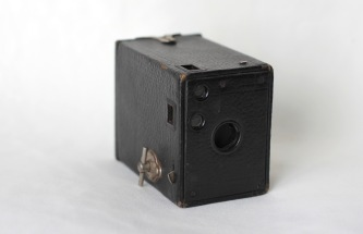 "Kodak ""Brownie Camera "" (1900) (Donated by Beer Family)"