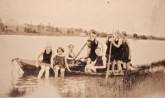 1920s Clyde River - McLean, Murchison, McKinnon, Matheson children